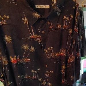 Mens Shirt. XXL. Batck. Bay short sleeve Brand New